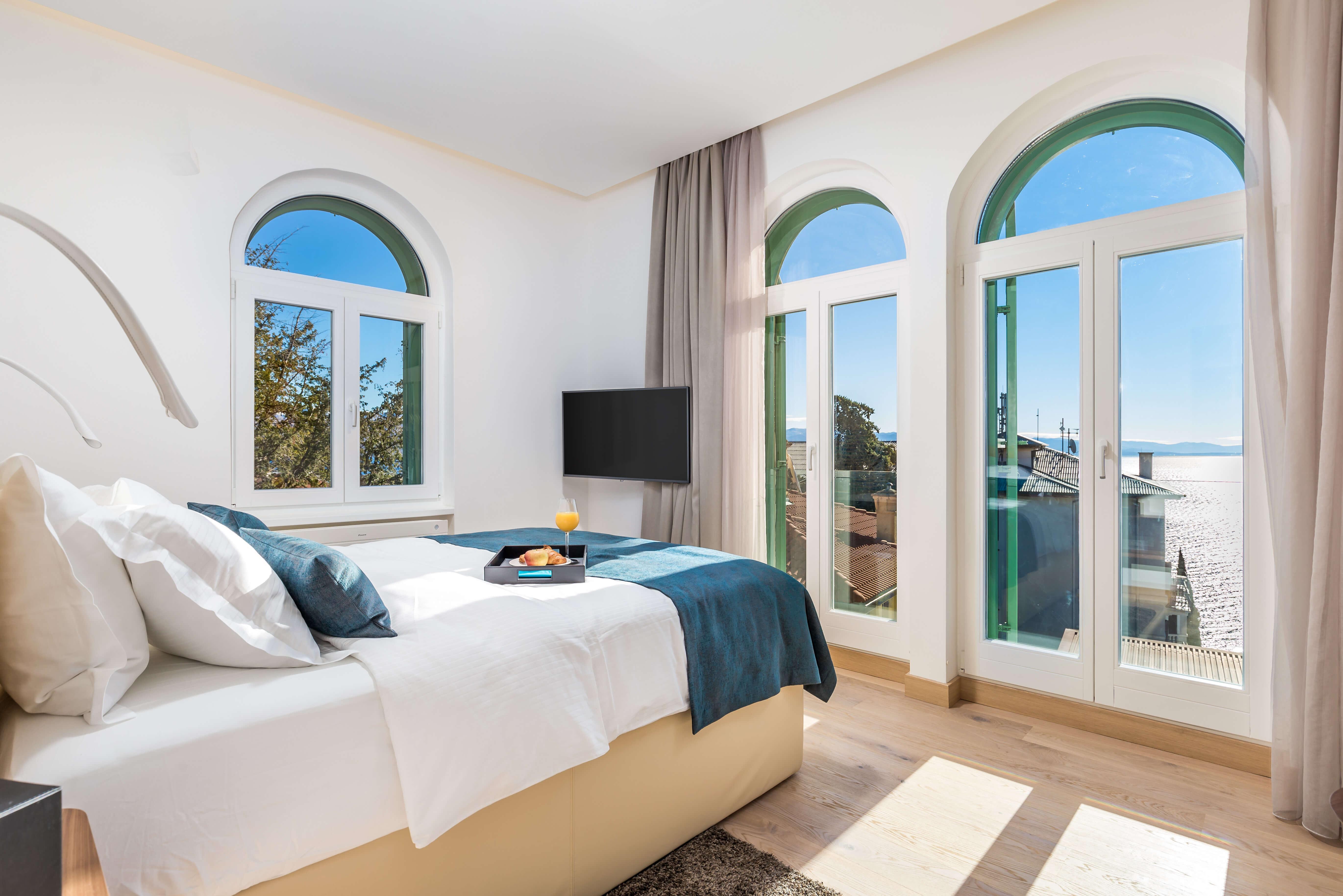 pogled, spavaća soba, king size krevet, francuski prozori, apartman OLA