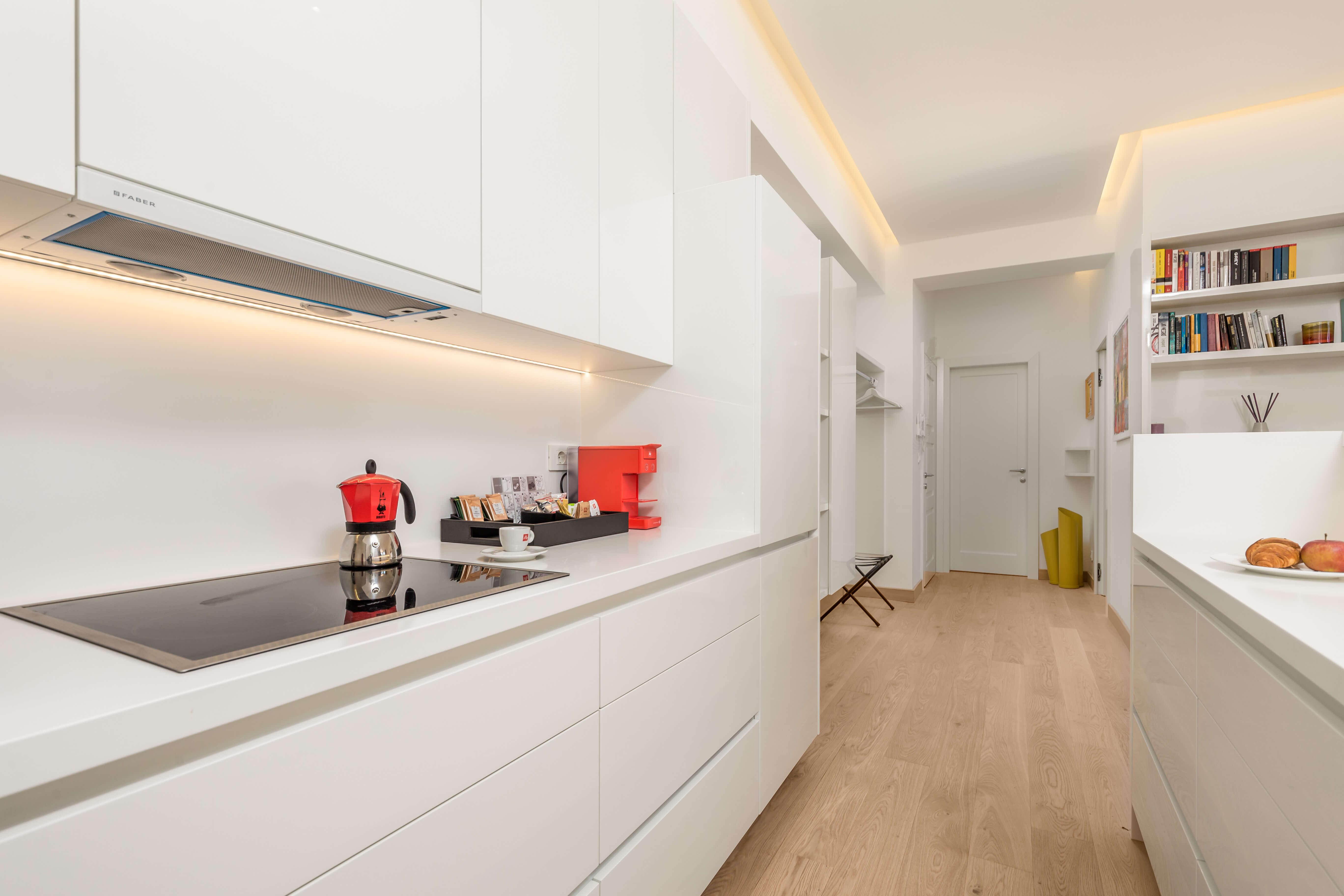kuhinja, bijela kuhinja, detalji u kuhinji, apartman OLA; luksuzni apartman, opatija, hrvatska, kvarner