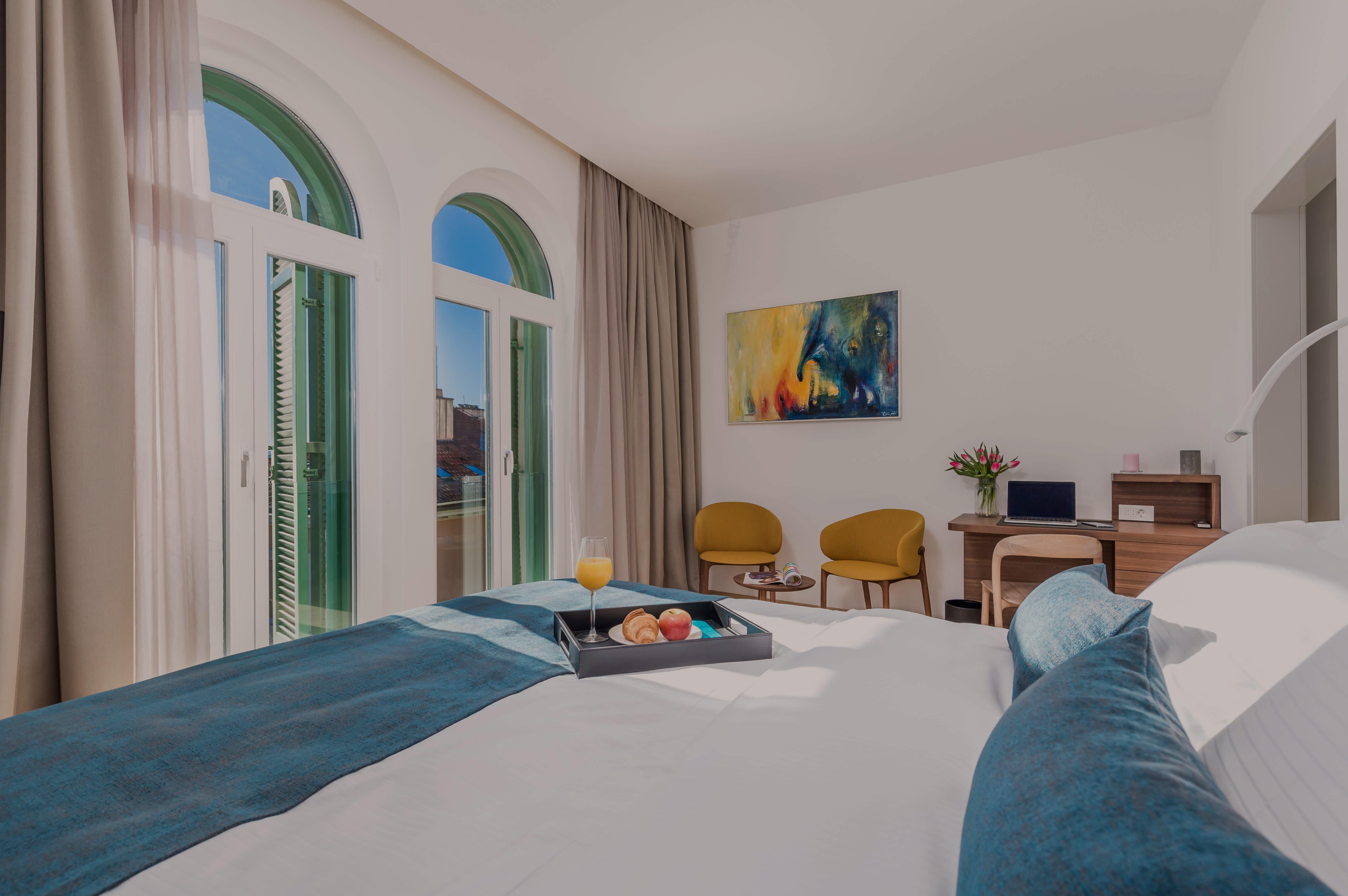 spavaća soba, luksuzni apartman, apartman OLA, opatija, kvarner, hrvatska, doručak u krevetu